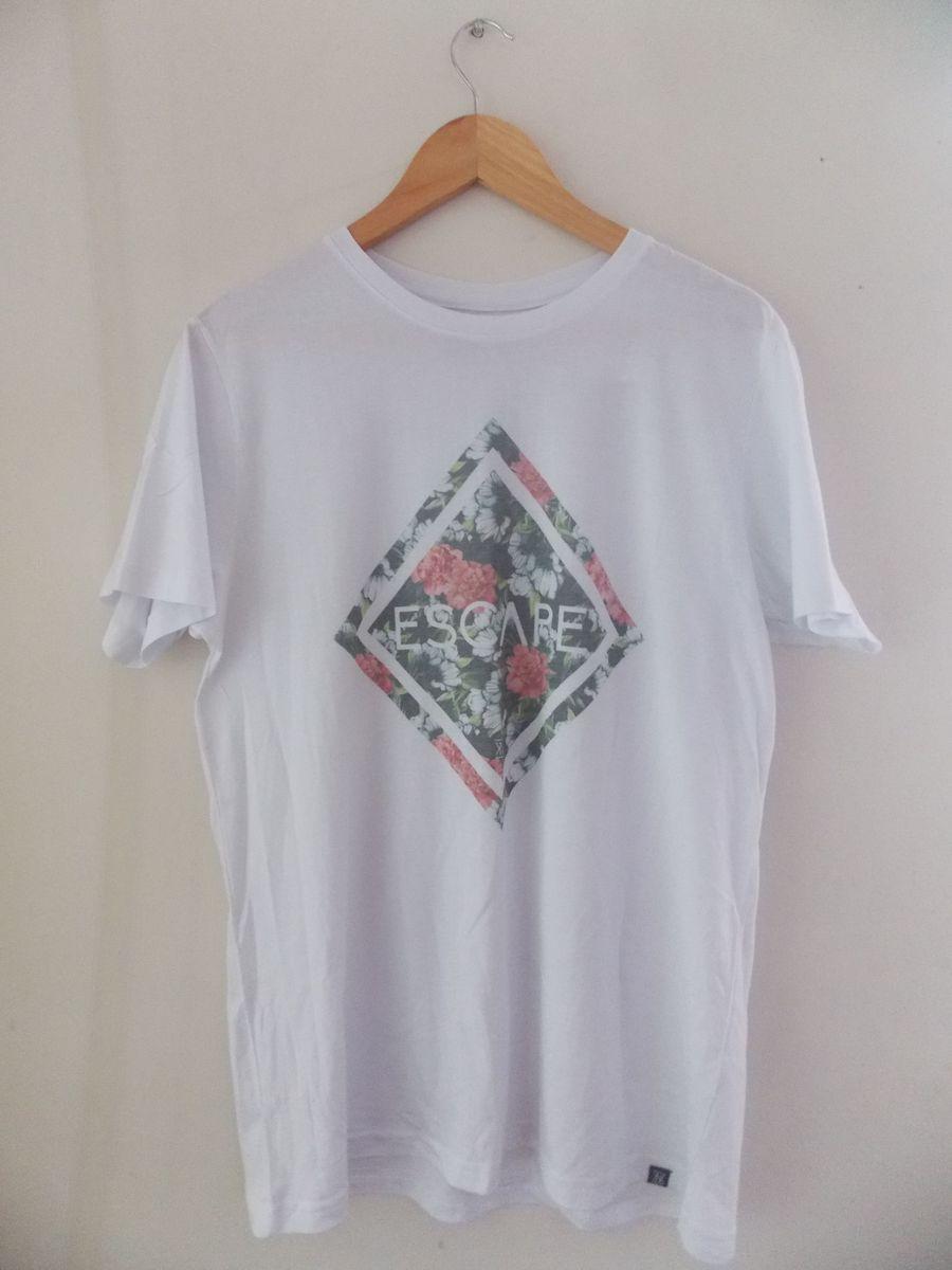 465f5a50f4709 camiseta floral - camisetas kanui.  Czm6ly9wag90b3muzw5qb2vplmnvbs5ici9wcm9kdwn0cy82mzuxmji5l2zlntnjzgrkzta3oty2nte4ngnlmdrlzdhkzmjhndixlmpwzw  ...