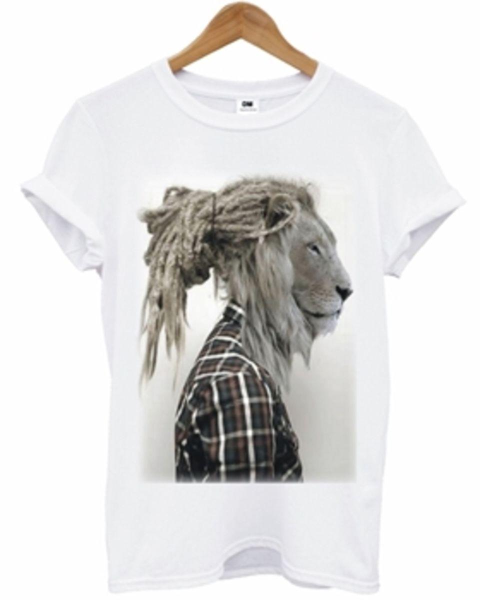 camiseta - leão rastafari - camisetas dm.  Czm6ly9wag90b3muzw5qb2vplmnvbs5ici9wcm9kdwn0cy85mjm0njavzdbjzjjlytrmnwi4mdqwodmymdzmoguyytawogy2ytyuanbn ec6bbf243b4