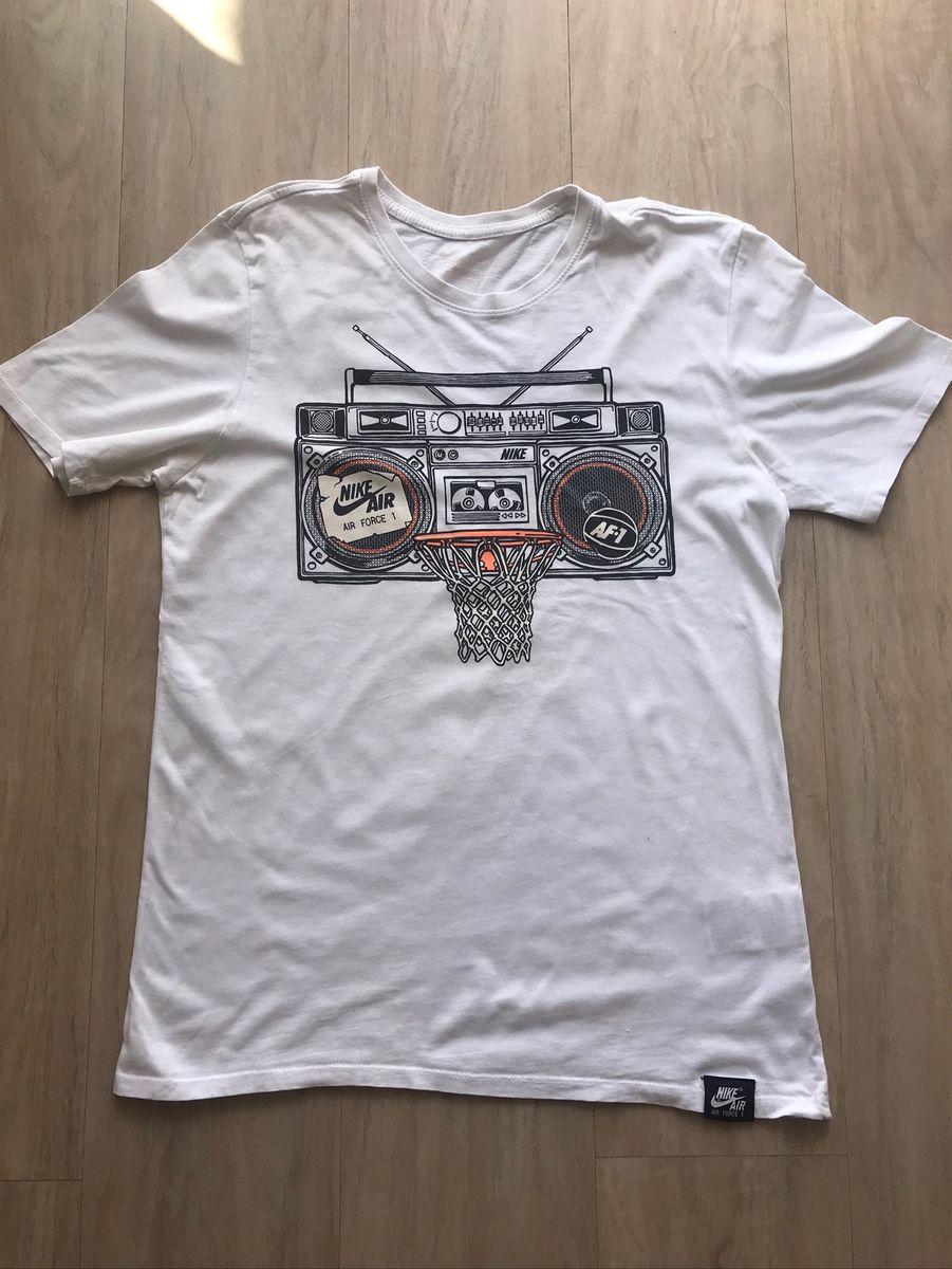 Librería llamada mil millones  Camiseta Nike Air Force 1 | Camiseta Masculina Nike Usado 40450436 | enjoei