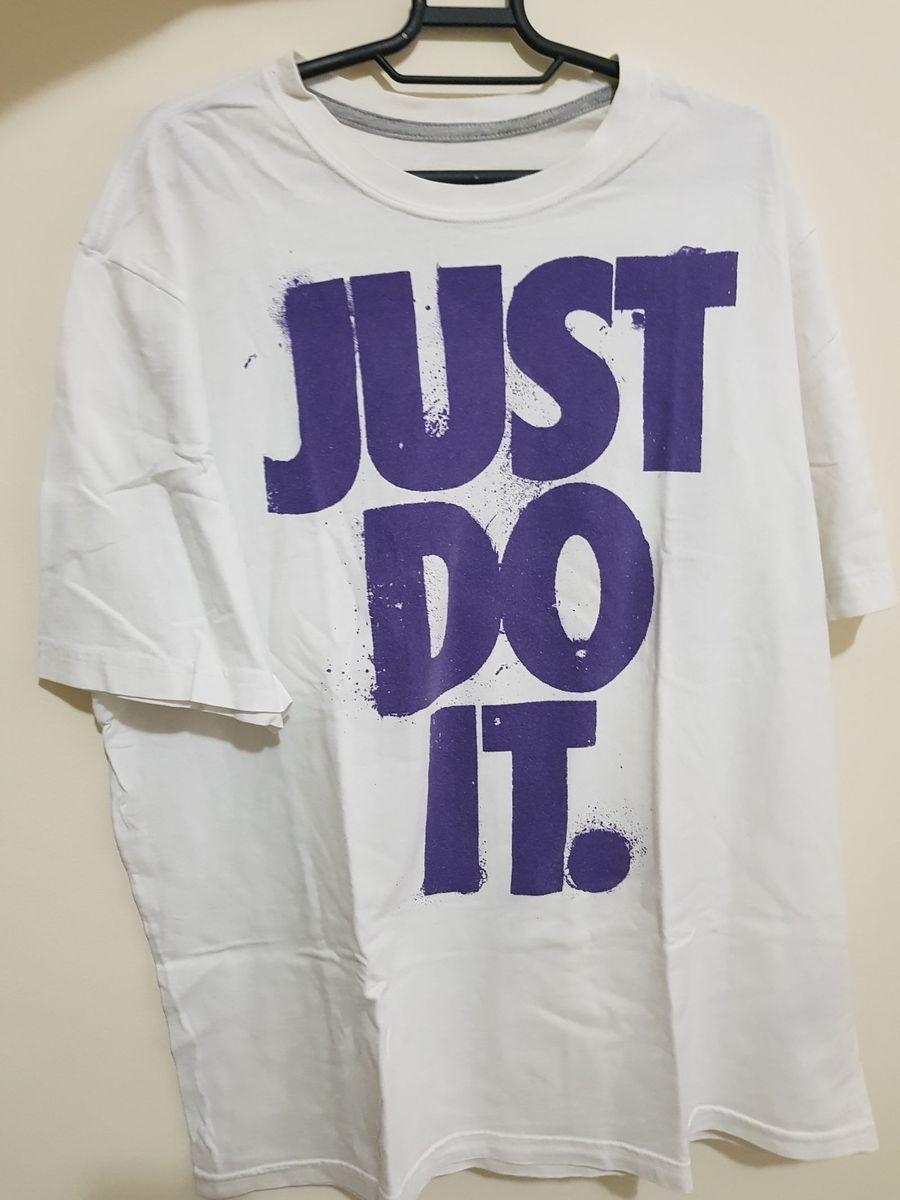 camiseta nike just do it - camisetas nike.  Czm6ly9wag90b3muzw5qb2vplmnvbs5ici9wcm9kdwn0cy85mdqxmjm2lzq1ymmzodjlm2myotk2mjg0y2uymduwogiznzq1ytdjlmpwzw 2e67526bee44c