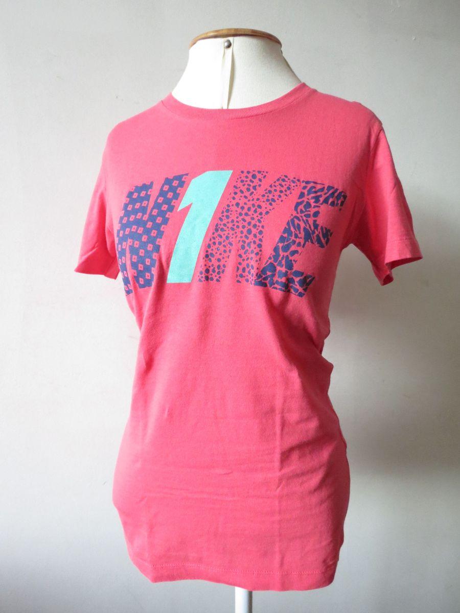 d7b8f44185e29 camiseta nike rosa - camisetas nike.  Czm6ly9wag90b3muzw5qb2vplmnvbs5ici9wcm9kdwn0cy8xmtuzmtqvngvmmdvkmgiznjvizjzkmmfhotm5mziymtgzm2zhmdkuanbn