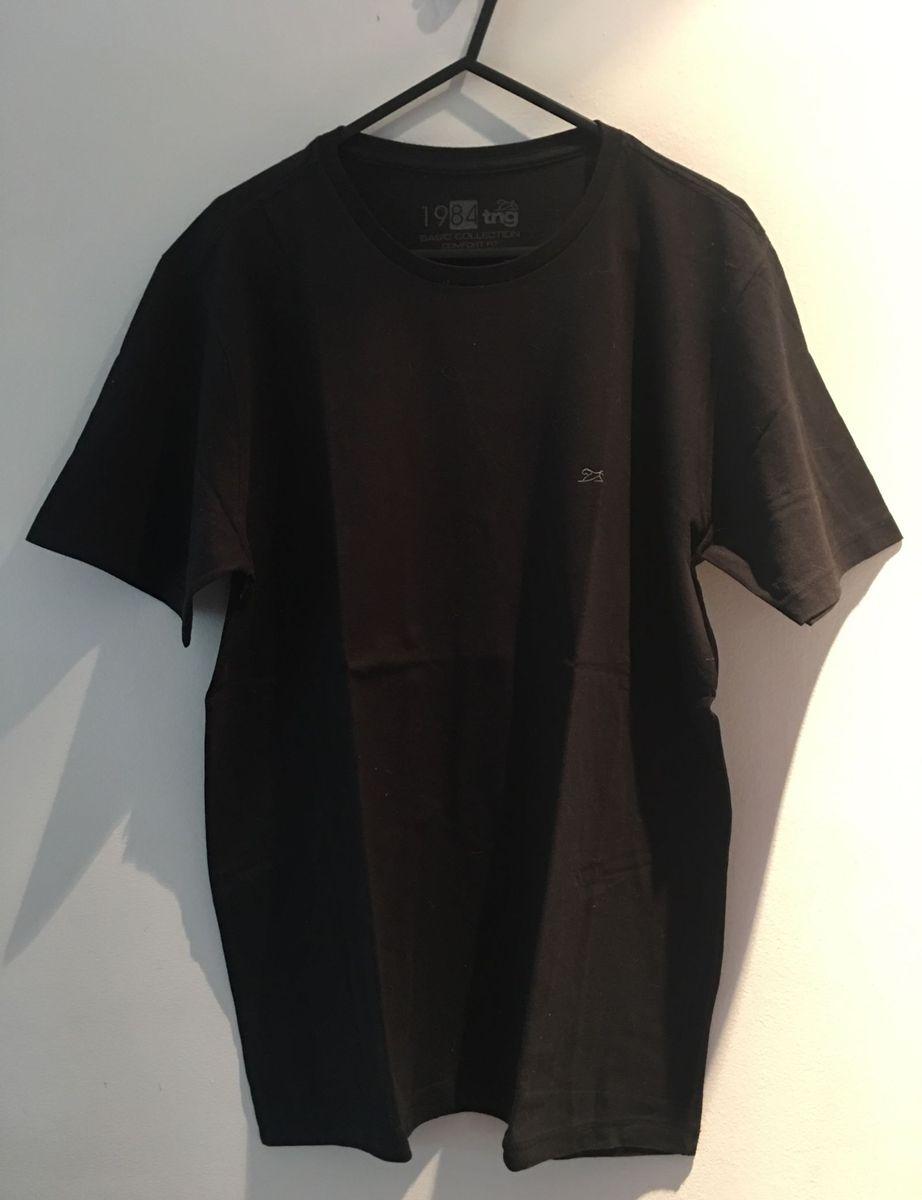 camiseta preta básica tng - camisetas tng.  Czm6ly9wag90b3muzw5qb2vplmnvbs5ici9wcm9kdwn0cy84ote4odmvotnimzflnjg4mda2oddkownmmmi2mdzjmddlnja5zdkuanbn  ... 6d0cac5bf286c