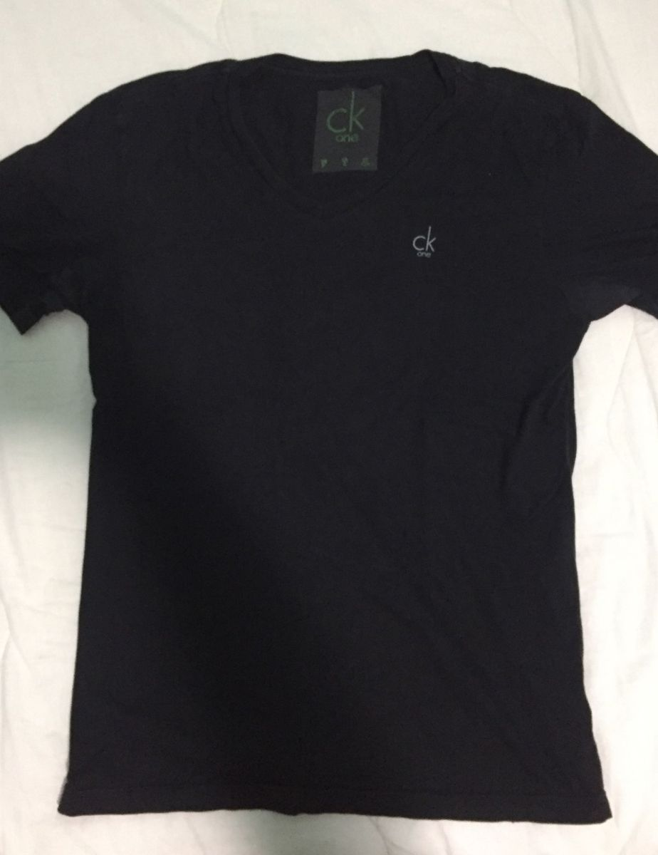 Camiseta Preta Calvin Klein   Camiseta Masculina Calvin Klein Usado ... 98f092cbeb
