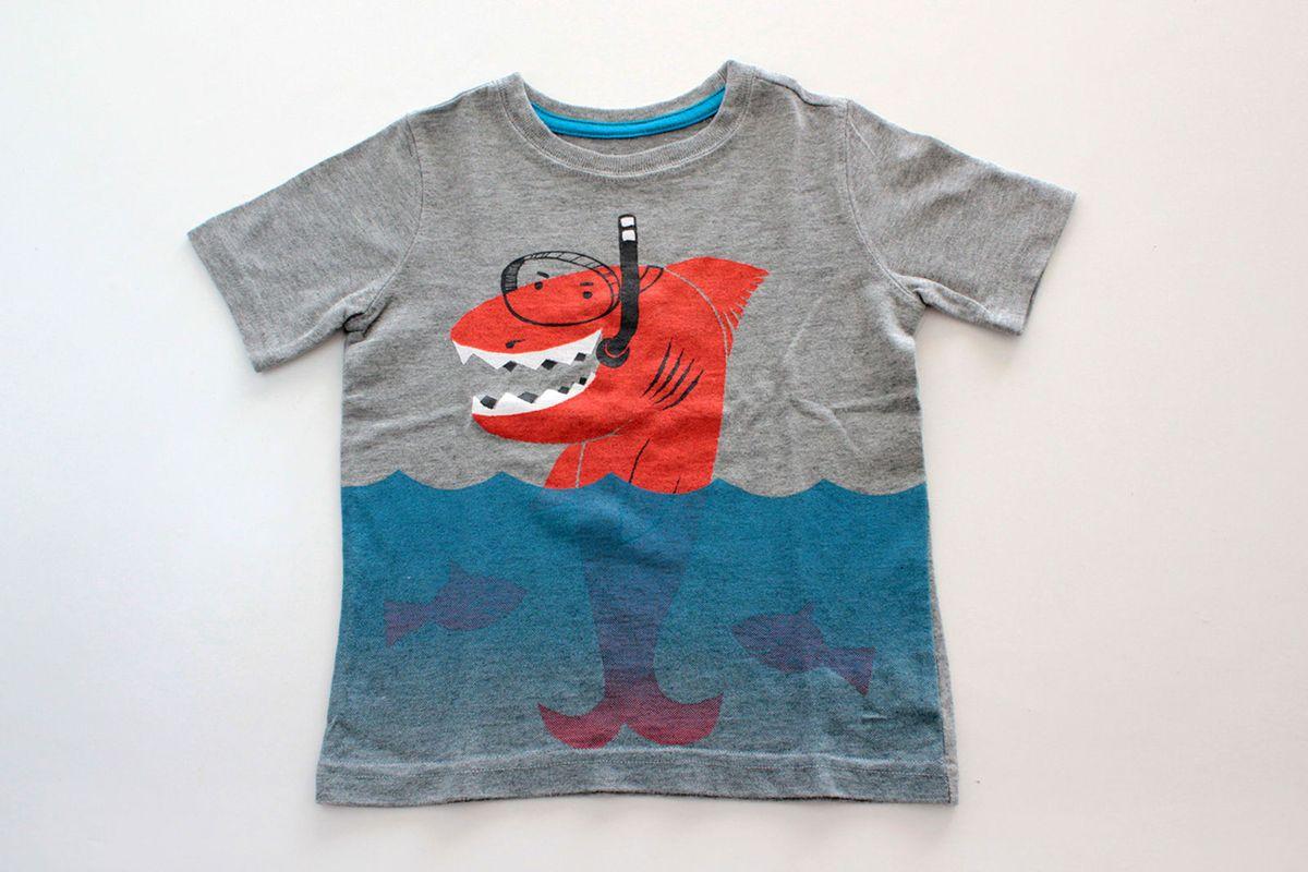 camiseta tubarão mergulhador - gap - menino gap