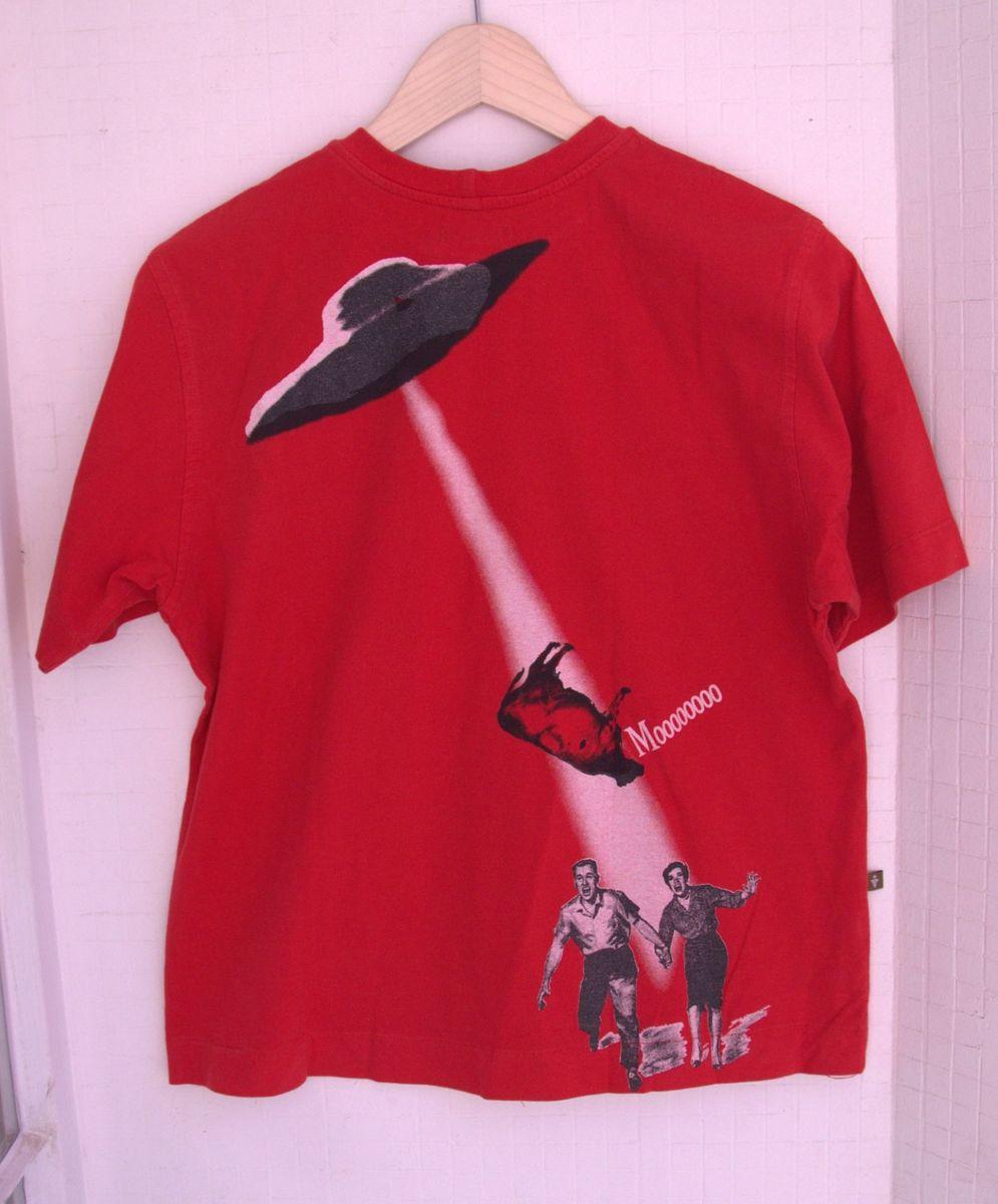 camiseta vaca abduzida - camisetas amuleto
