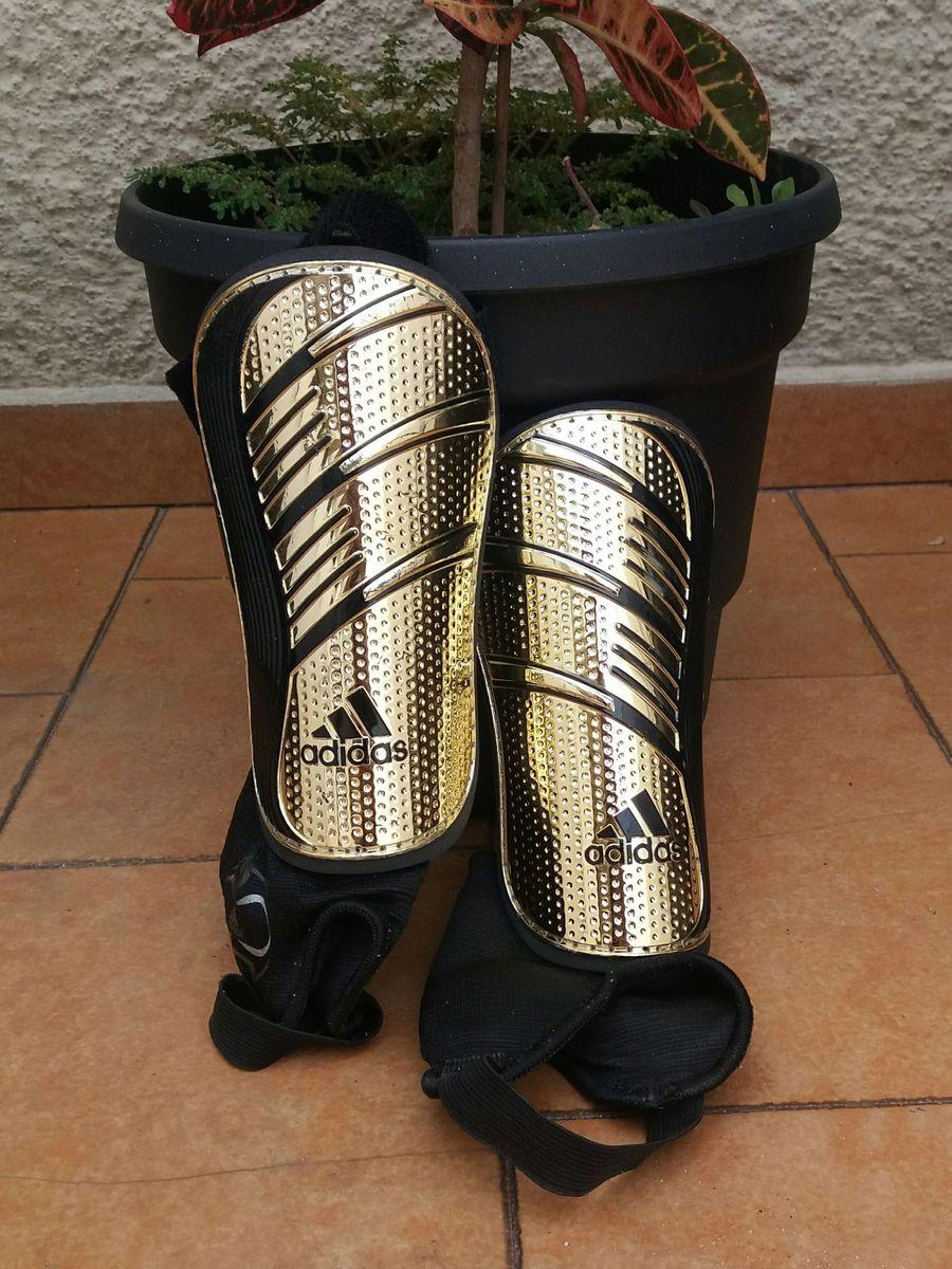 caneleira adidas - esportes adidas.  Czm6ly9wag90b3muzw5qb2vplmnvbs5ici9wcm9kdwn0cy83njq0mjgwlzrimzjizwrlmdgxm2y3ngy2mjdknjiyn2vimzi5zgiylmpwzw  ... 03dacfff067b8