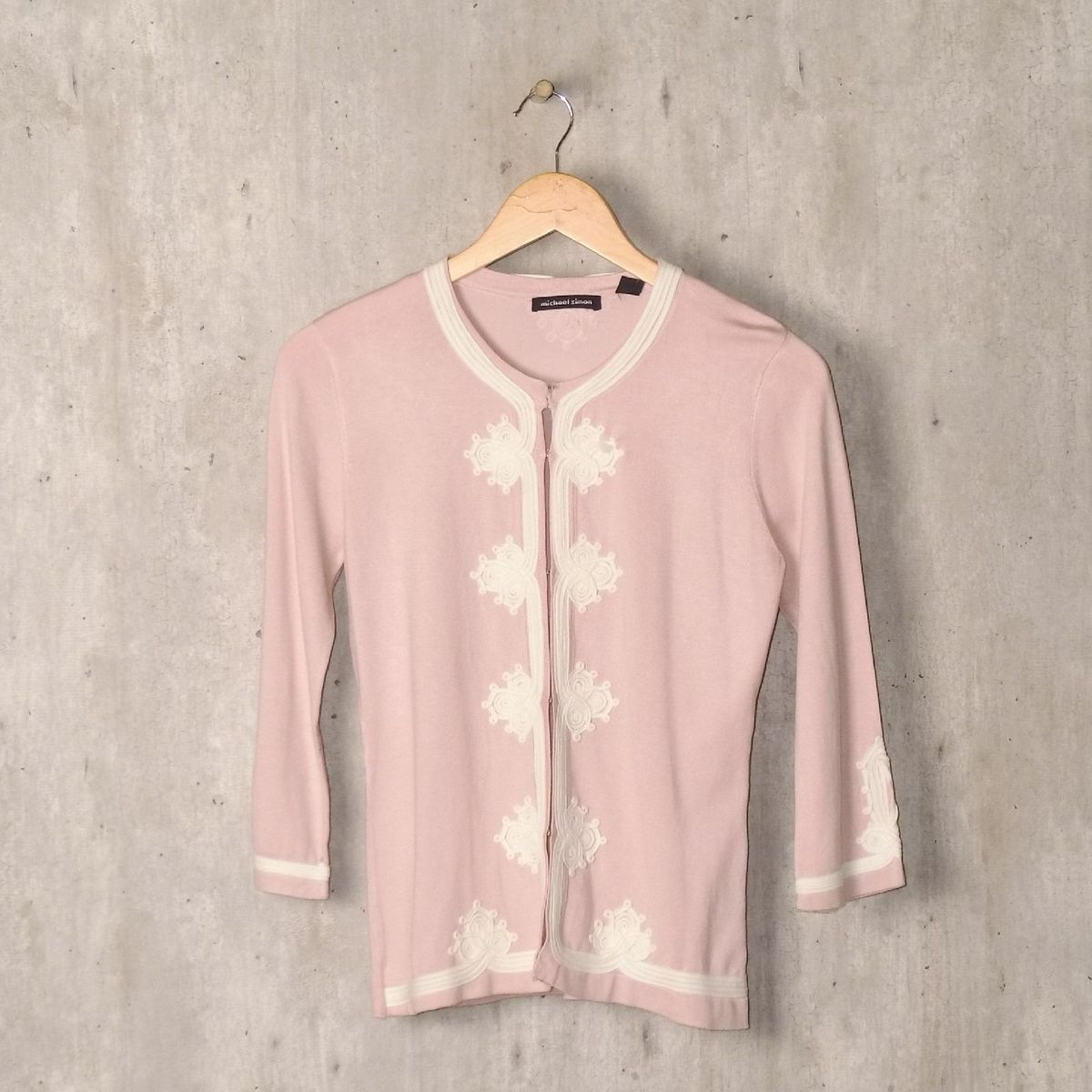 cardigan rosa bordado - casaquinhos michael-simon