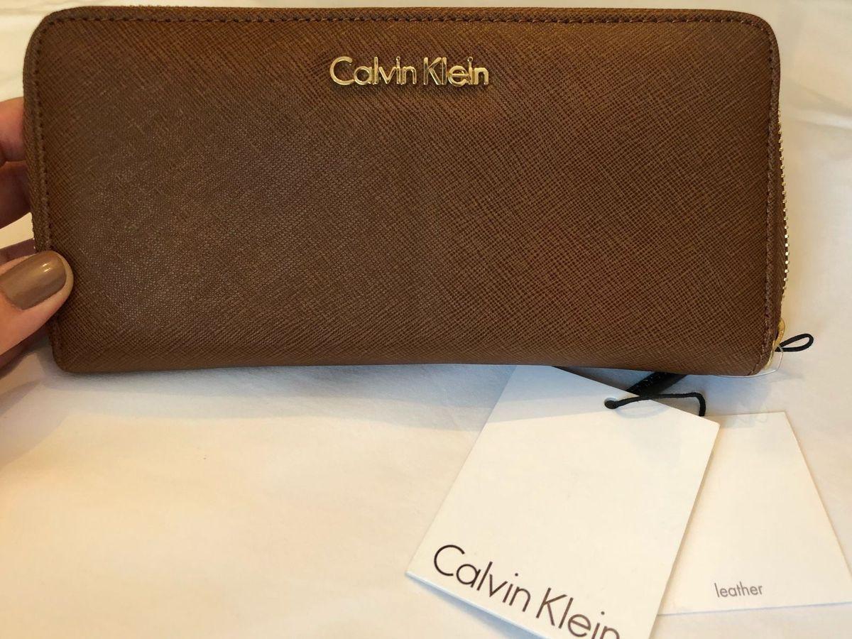 016751d314aaa Carteira Couro Original Calvin Klein   Carteira Feminina Calvin Klein Nunca  Usado 27433347   enjoei