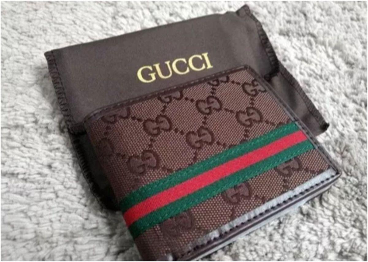 1a240460a carteira gucci masculina - carteiras gucci.  Czm6ly9wag90b3muzw5qb2vplmnvbs5ici9wcm9kdwn0cy83odazotgwlzyzmwzimmu4zmy5njcymmm1ytqzzdnjmdawm2uymtqwlmpwzw