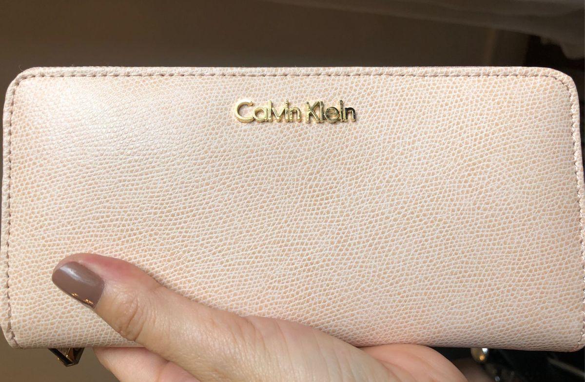 carteira original de couro rose calvin klein - carteiras calvin-klein e9e1a32553