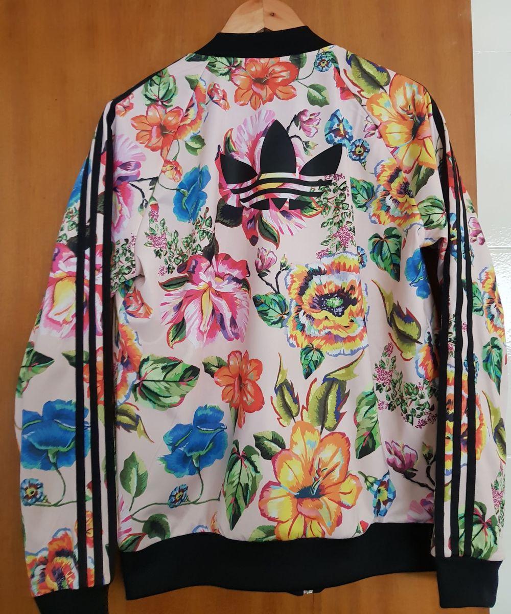 1aa854d3c2f casaco bomber floral adidas farm - casaquinhos adidas farm