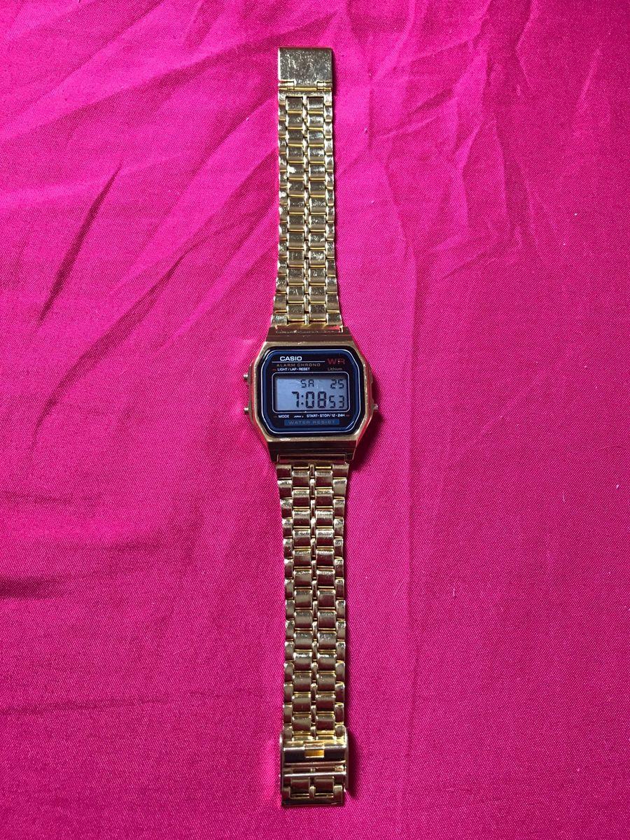 ee8ad0503a4 casio dourado com fundo preto - relógios casio.  Czm6ly9wag90b3muzw5qb2vplmnvbs5ici9wcm9kdwn0cy83oteznjgvmtuwntqxzmu1mzg3zdq5yjrhmzuzntk4y2jhmmuzowyuanbn  ...