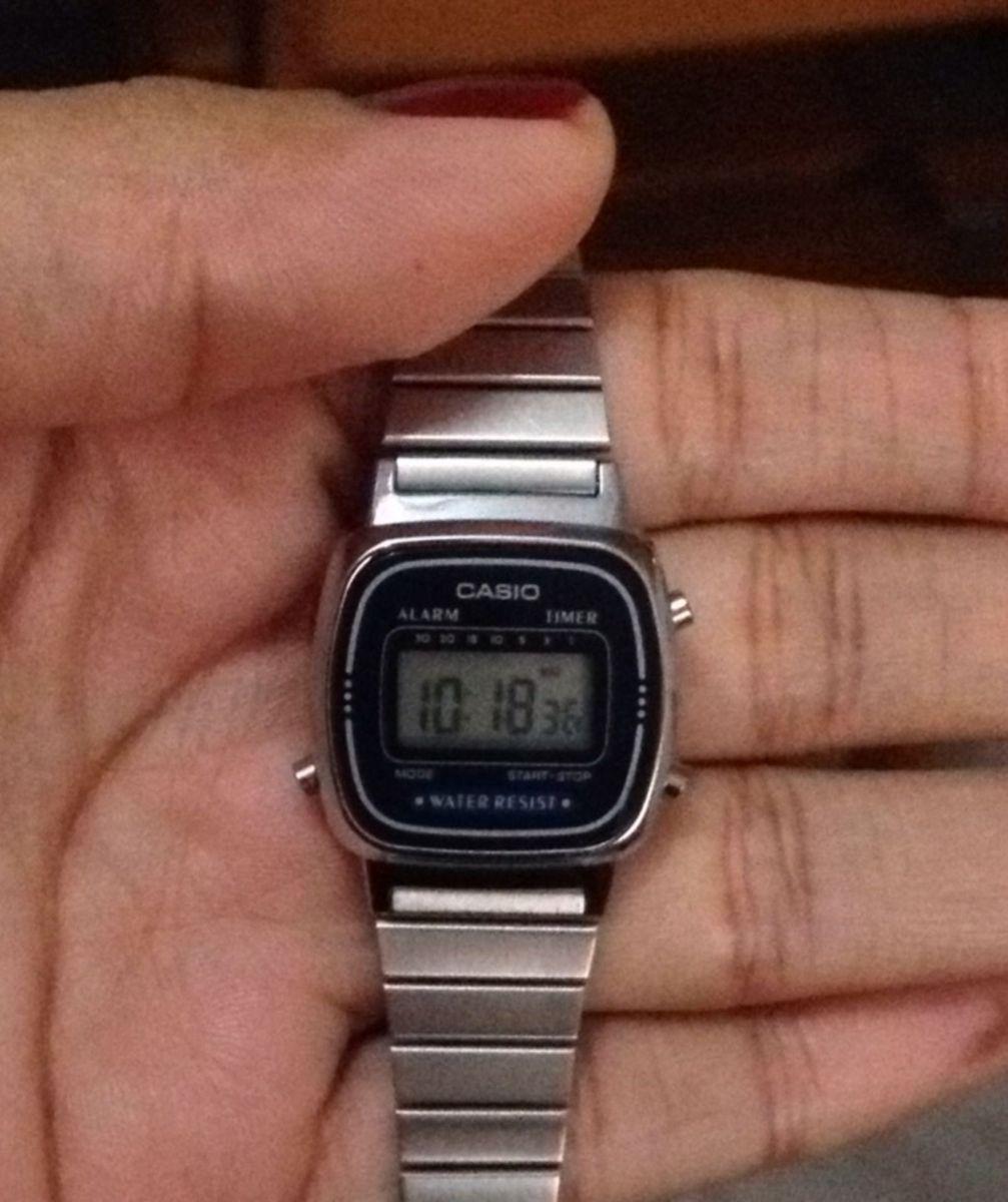 bfea26cd1f8 casio vintage mini prata - relógios casio.  Czm6ly9wag90b3muzw5qb2vplmnvbs5ici9wcm9kdwn0cy81mjq1nju4lzg5ngywmmi1otjizgrhnzczmdgymdmxnzy5zjdhy2e0lmpwzw  ...