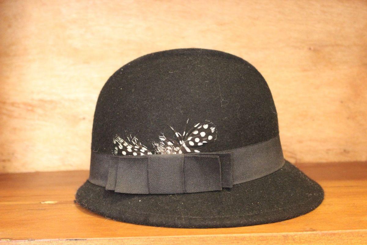 chapéu coco londrino - chapeu sem marca.  Czm6ly9wag90b3muzw5qb2vplmnvbs5ici9wcm9kdwn0cy81njyyotk4l2exnjq0mzuzymy5ytk4nzmwntyxywrkmdm5mdnhowu4lmpwzw  ... c316d32cc29