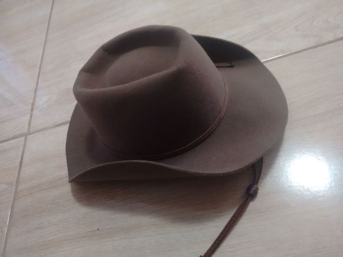 chapéu cowboy - chapeu sem marca.  Czm6ly9wag90b3muzw5qb2vplmnvbs5ici9wcm9kdwn0cy82odi5odc4lzzhotmyotc3y2qwzdy0nmezyza1m2y5zgyyodq3mwq4lmpwzw  ... 2378dd8d601