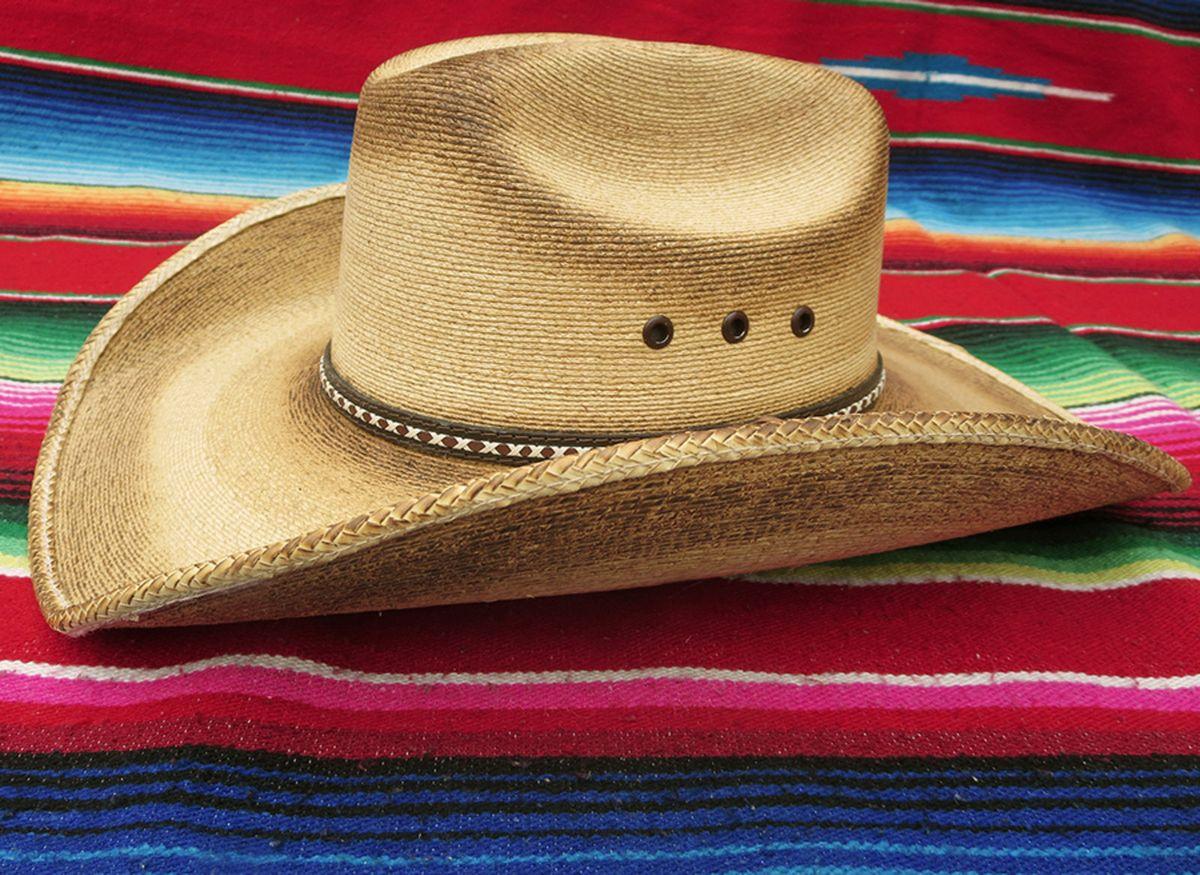fdab79b2ee6 chapéu mexican cowboy! - chapeu marcatto.  Czm6ly9wag90b3muzw5qb2vplmnvbs5ici9wcm9kdwn0cy81nje1otcvzdg3yte1zjmznjc2mdexnmmwndg3nzvknmrmyzfmyzauanbn