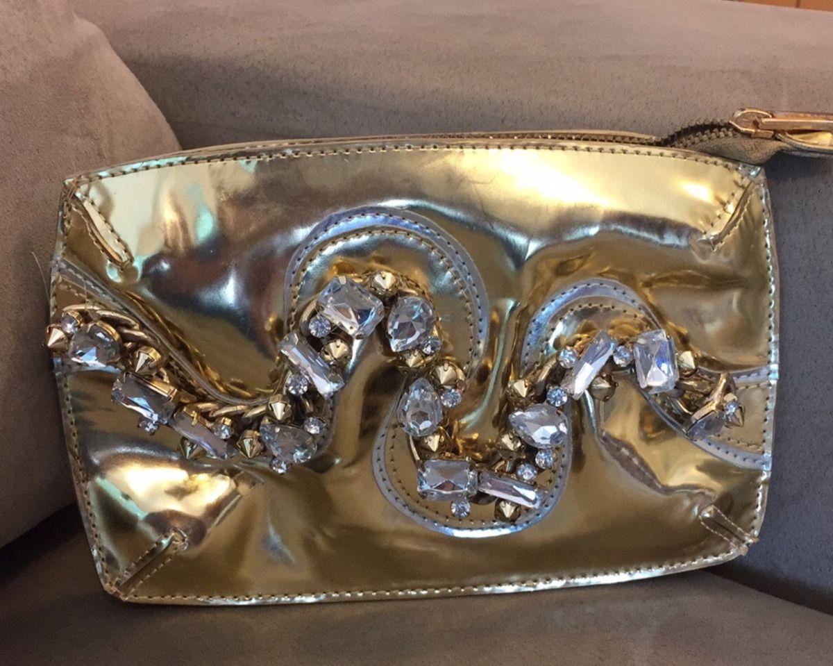f18bb2780 Cluth Bafonica com Pedraria Dourada. | Clutch Feminina Carrano Usado ...