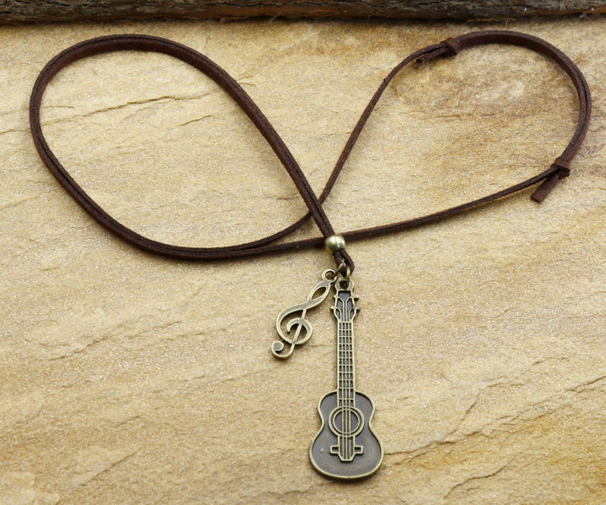 colar cordão de couro violão clave de sol bijuterias - outros sem marca 0dfb8c1a23