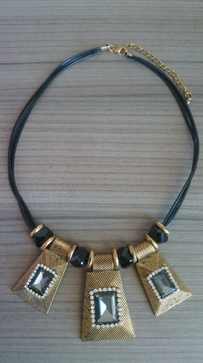 colar preto - bijoux sem marca