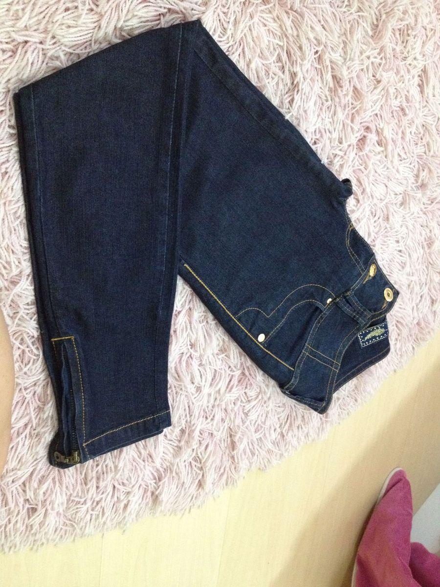 c4a0c9f3107b6b tira a calça jeans