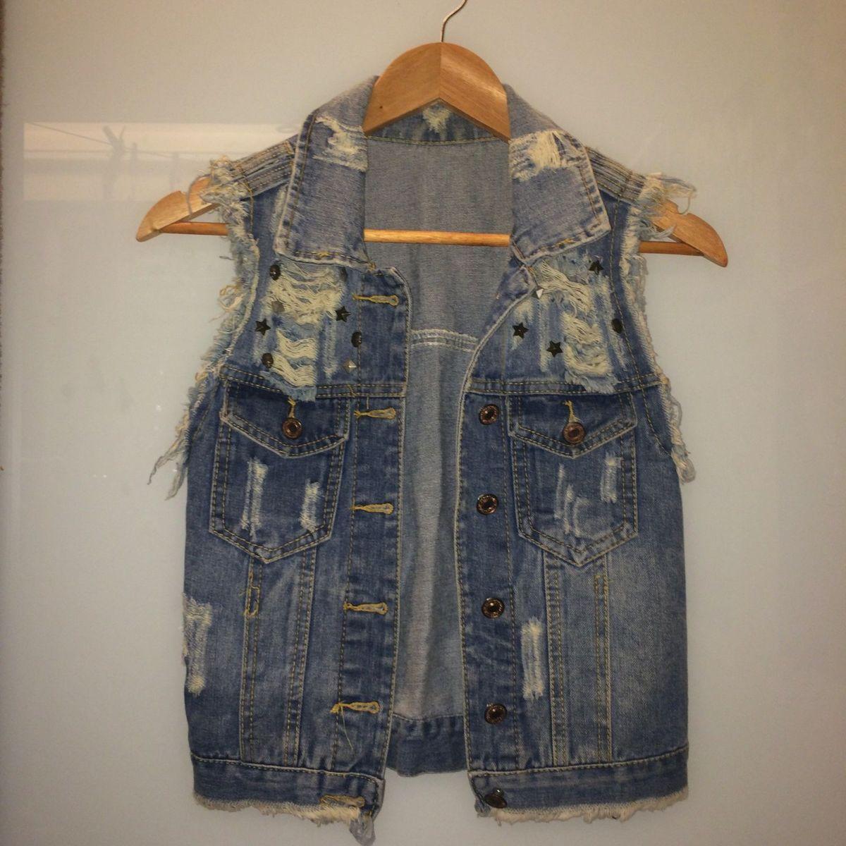 a89f6b0e28b6 Colete Jeans Rasgado com Spikes   Colete Feminino Nunca Usado 29394827    enjoei