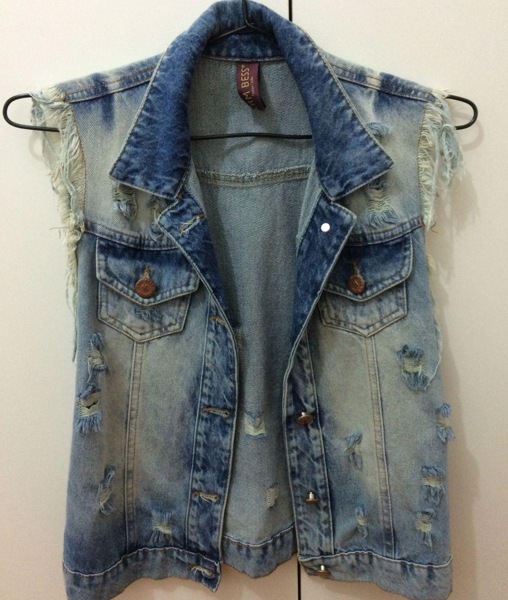 6b2f0a9ac020 colete jeans rasgado - coletes kambess.  Czm6ly9wag90b3muzw5qb2vplmnvbs5ici9wcm9kdwn0cy84nteymjgvyze5mzvkztdjmme4odmxogvlngq2ywuxngjiyjrimdmuanbn