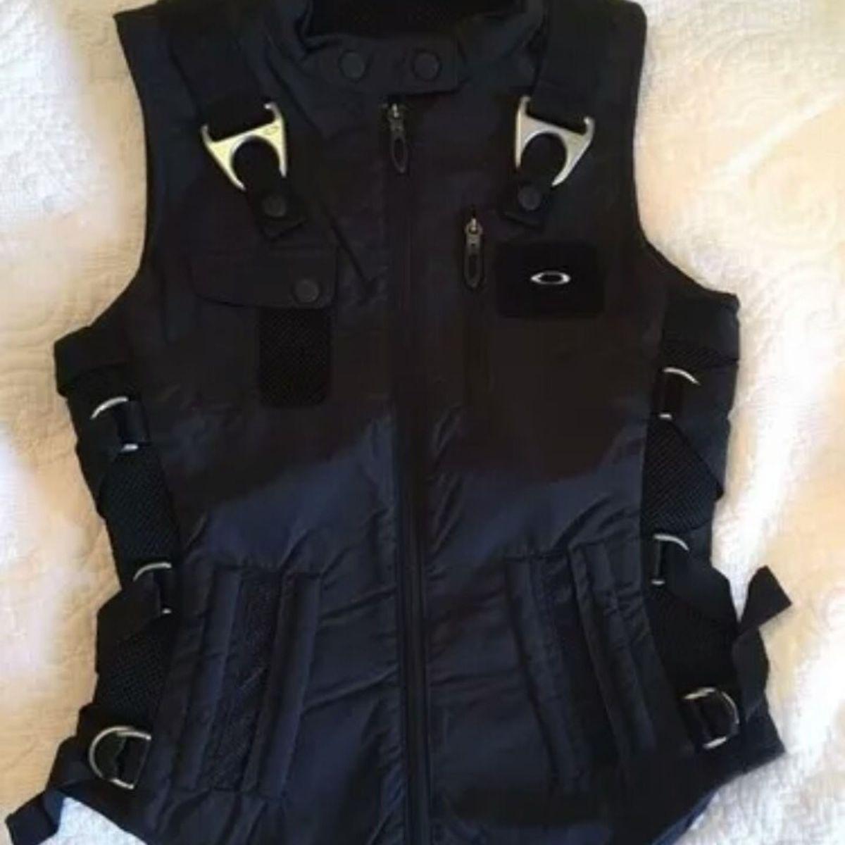 71435f1169c Colete Oakley Ap Vest Feminino | Colete Masculino Oakley Usado 26261576 |  enjoei