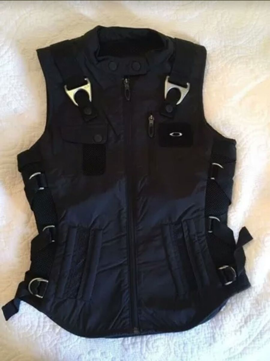 c5959957d7b colete oakley ap vest feminino - coletes oakley.  Czm6ly9wag90b3muzw5qb2vplmnvbs5ici9wcm9kdwn0cy84ntm1mzq2lzg1zgi4zwy5njfkn2jkzdm2mwuzy2u4ntuyodu1y2i3lmpwzw  ...