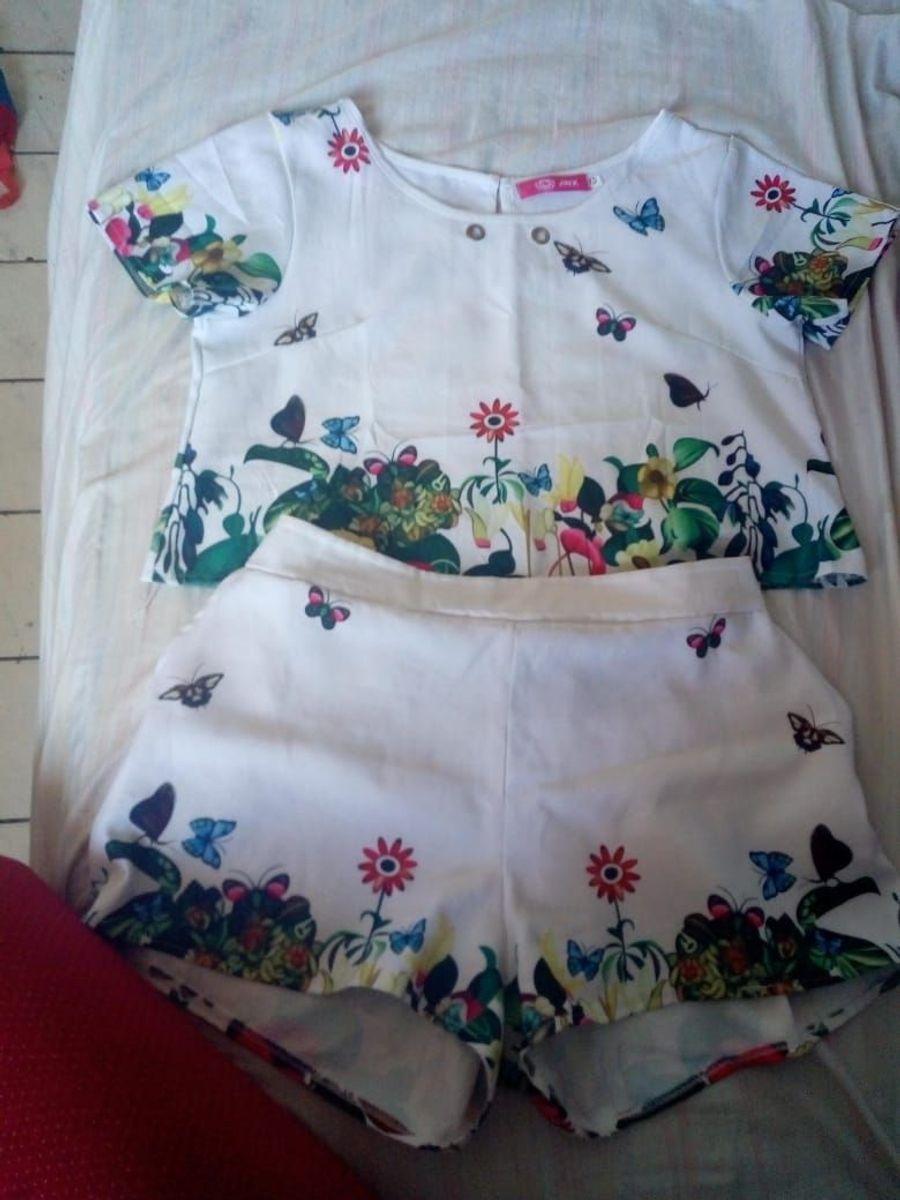 conjunto curto florido estampado shorts e camiseta curta - macacão jinx