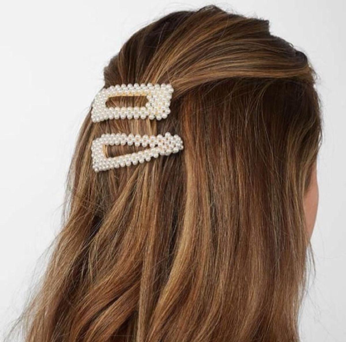 conjunto presilhas de pérola - cabelos holy basic store