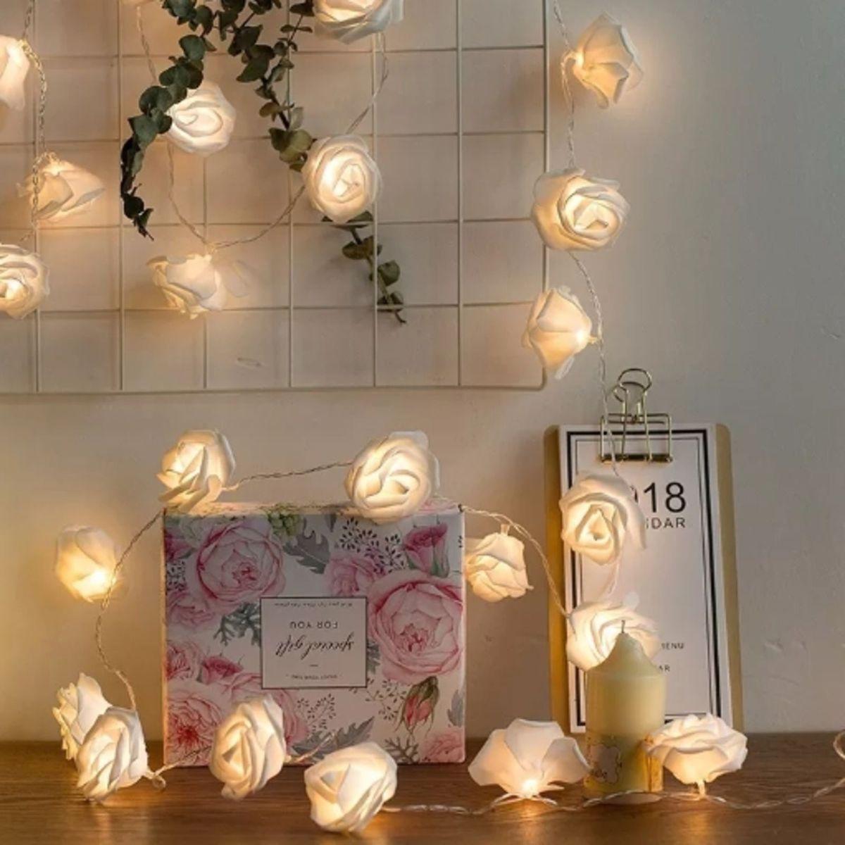 4d8c7d6dd Cordão de Luz Led Flores - Brancas