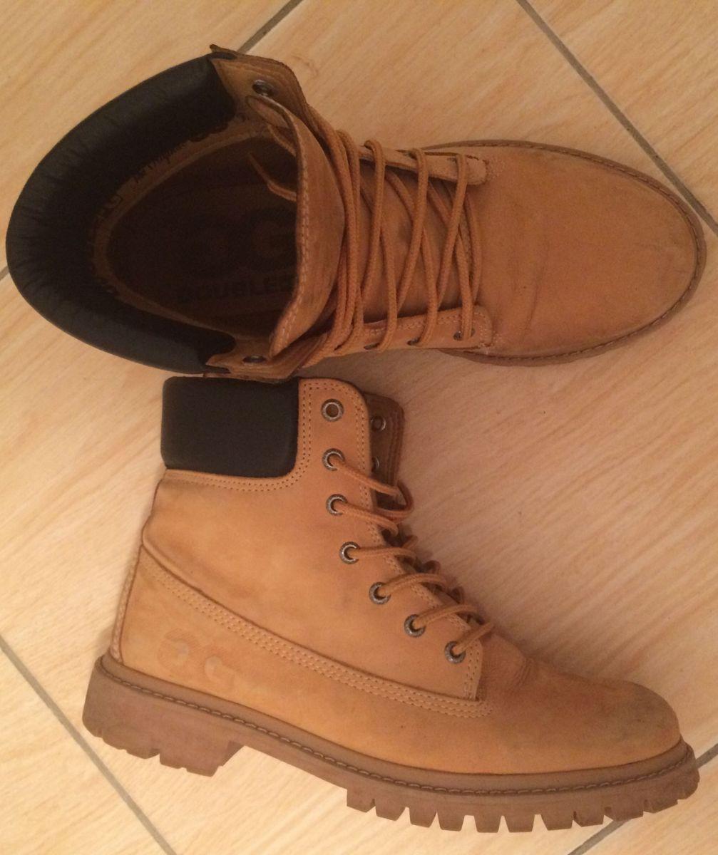 fcc23ce21 coturno double g caramelo - botas qix.  Czm6ly9wag90b3muzw5qb2vplmnvbs5ici9wcm9kdwn0cy81mdy2mzu3lza2otg4yjnhymviyzmxzdmzyznhmzc5yjuwzty3oge3lmpwzw