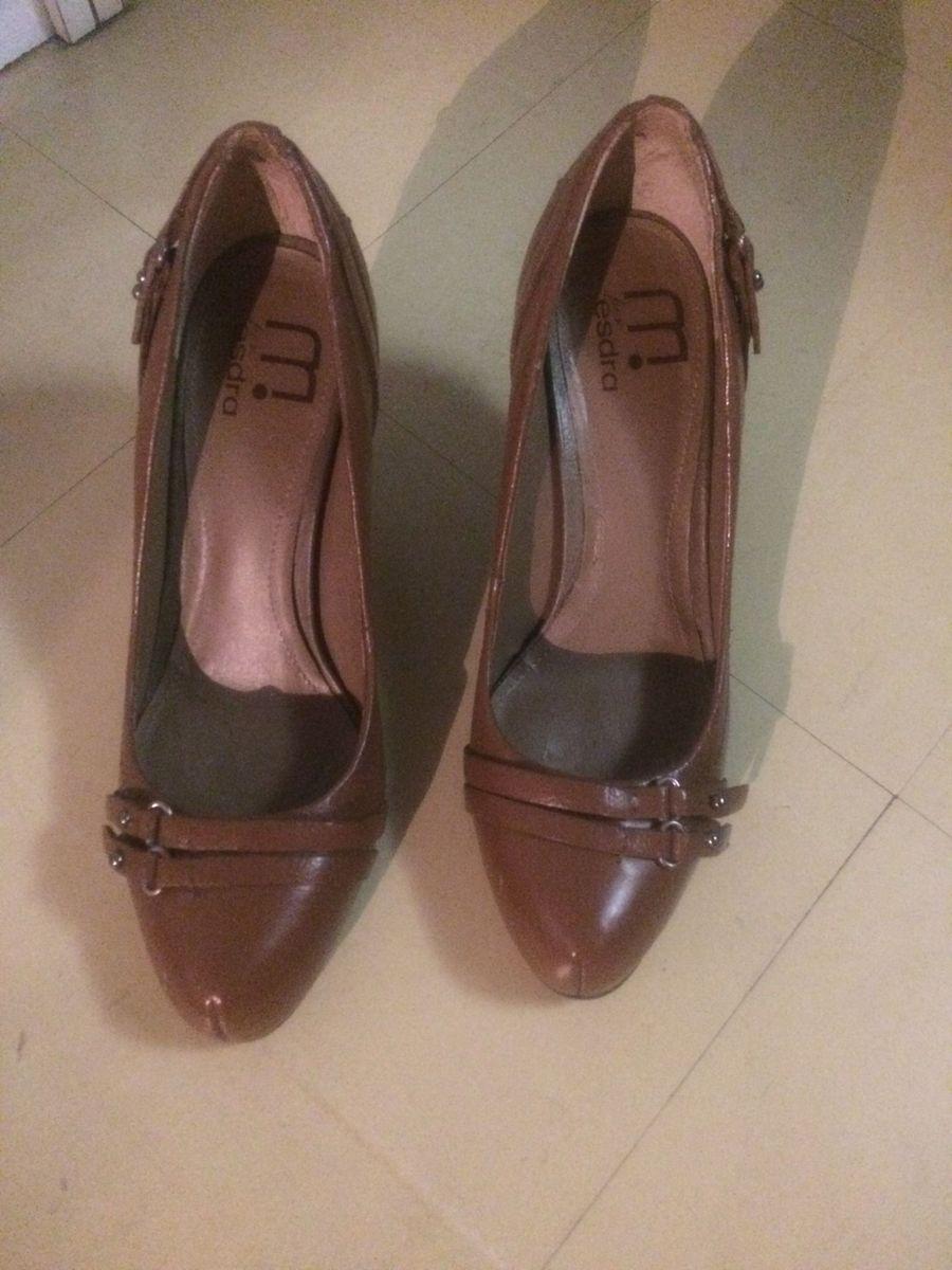 dc0899404c esdra é esdra - sapatos esdra.  Czm6ly9wag90b3muzw5qb2vplmnvbs5ici9wcm9kdwn0cy83mtcwndq5lzlmztgwndq1mtizogvjn2i5zwnjogewzdc3ywu5zgq0lmpwzw