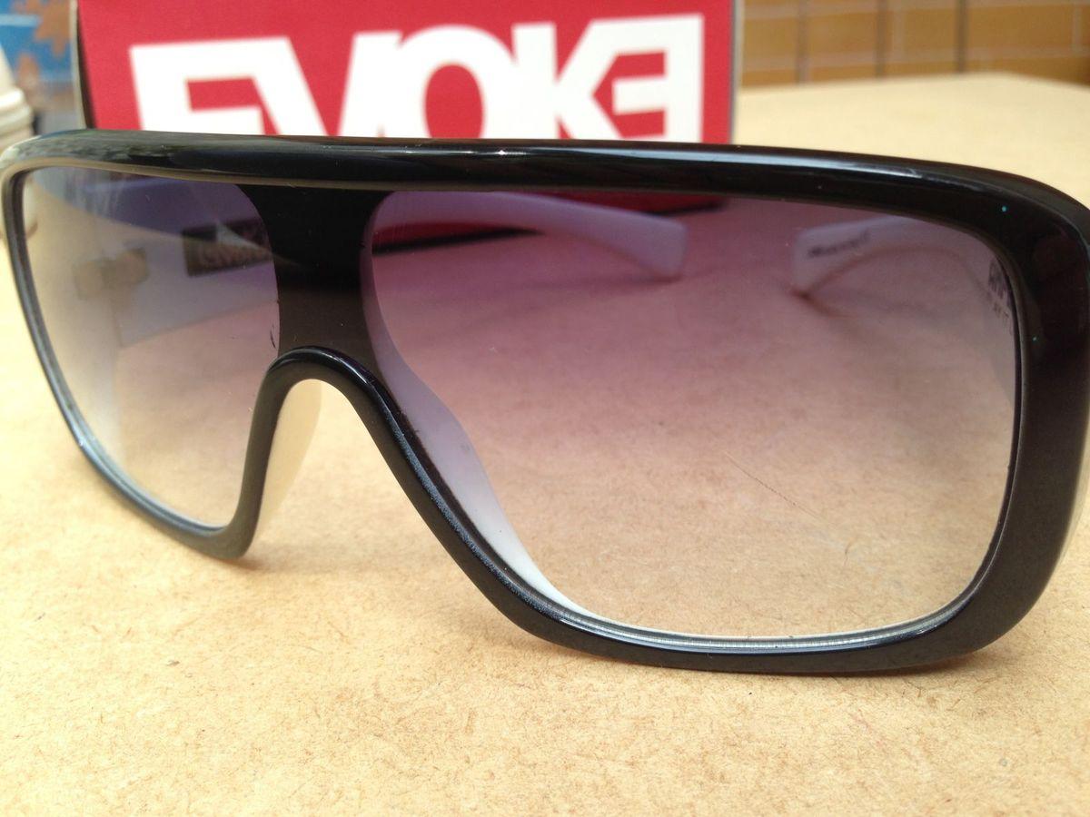 Evoke - Amplifier Black White Gradient   Óculos Masculino Evoke Usado  15948511   enjoei e1d458462f