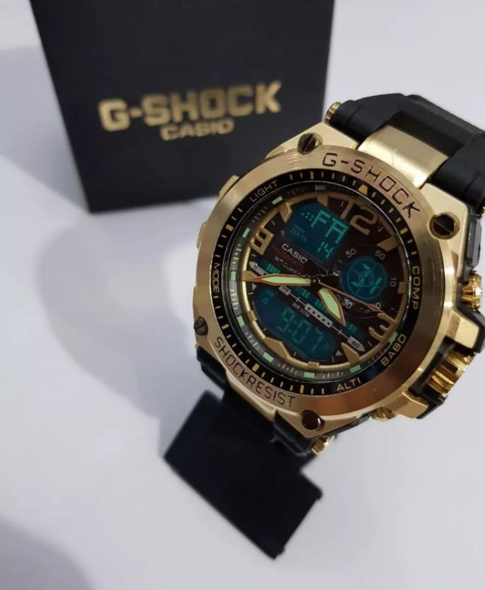 3f8ed97d9a0 g-shock preto com dourado - relógios casio.  Czm6ly9wag90b3muzw5qb2vplmnvbs5ici9wcm9kdwn0cy85mtq5mtuwl2jjytexngjkzjqzzja3yznizjczodczzdy5n2uwnde0lmpwzw  ...