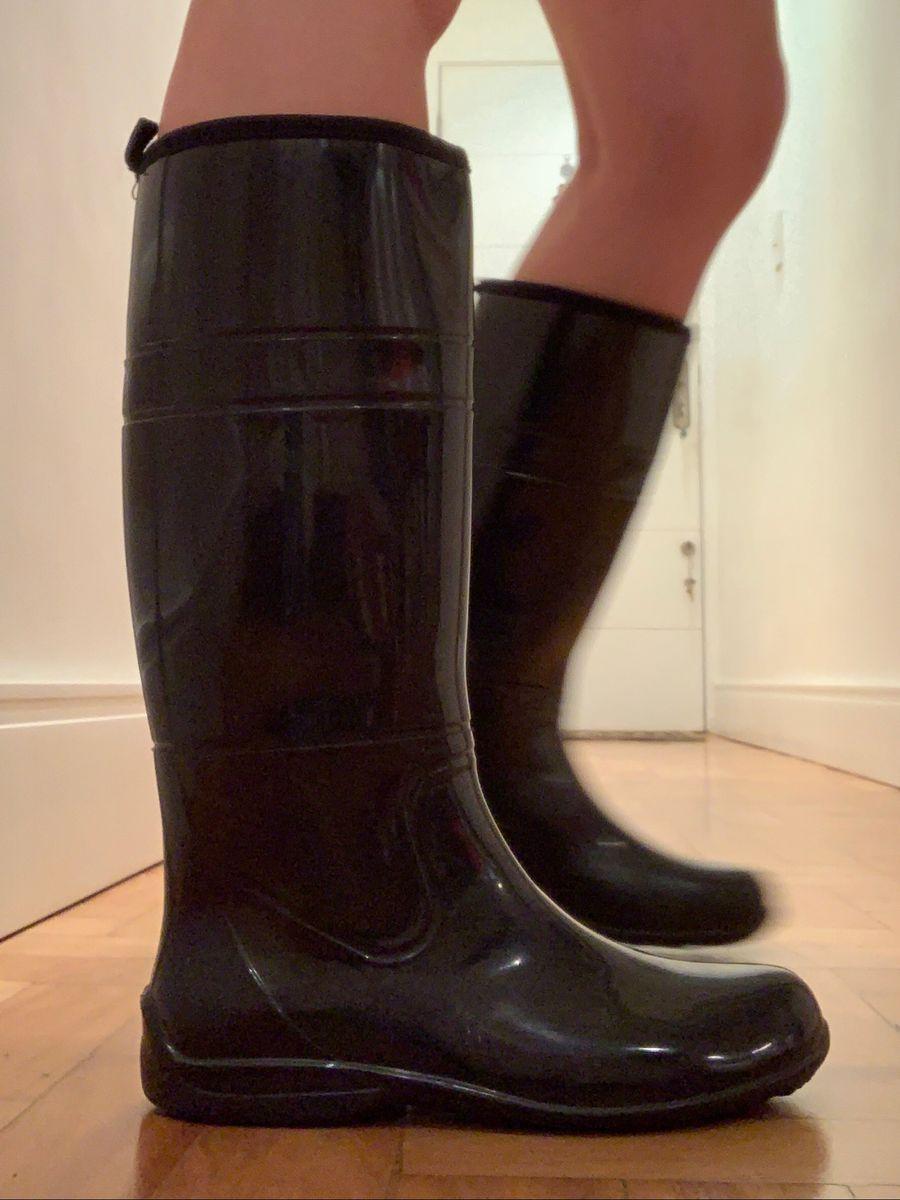 729a84fbbfef9 galocha preta lisa - botas fashion walk.  Czm6ly9wag90b3muzw5qb2vplmnvbs5ici9wcm9kdwn0cy8xmte3mdi0my9mmdjiyjjmnmi1mmvmmdmwmje1ndm3njbmowuymzq5zc5qcgc