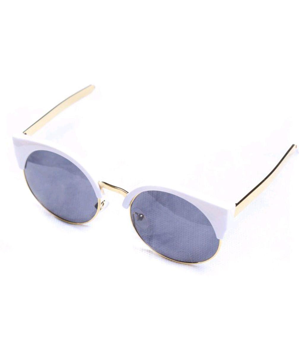 c9d793a711047 oculos branco de sol gatinho - óculos sem-marca.  Czm6ly9wag90b3muzw5qb2vplmnvbs5ici9wcm9kdwn0cy84mjcxnjevowq0yzvjnjm0ztninjzjmmy5zdm2y2q4mmmznwuyztmuanbn  ...