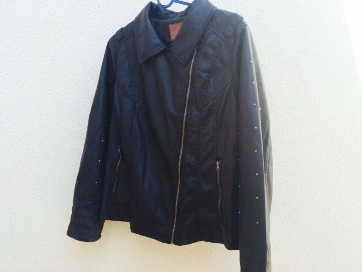 086107b4d2 jaqueta de couro com spikes - blusas polo club.  Czm6ly9wag90b3muzw5qb2vplmnvbs5ici9wcm9kdwn0cy83nje3otkvmdvjnmvlztlkmjy5ztuwmtmwmgrhmwzkmzlmmzdjndmuanbn  ...