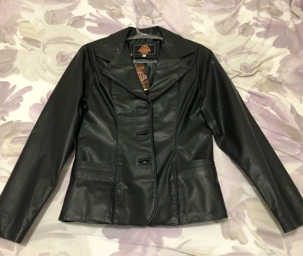 db95a448d jaqueta de couro legítimo - casaquinhos d'carlo.  Czm6ly9wag90b3muzw5qb2vplmnvbs5ici9wcm9kdwn0cy82oduxndu5lzq0zjhiytrmymuzztlmyti2otgwmtnlztexotdlmgiwlmpwzw