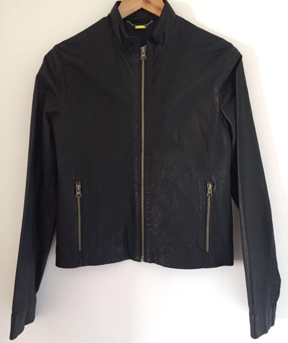 f7ec117c8 jaqueta preta de couro legítimo, marca doma, argentina, tamanho 40. nunca  usada