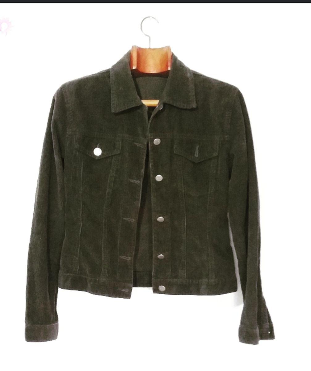 7e146538a6e18 jaqueta veludo cotele - casaquinhos four one.  Czm6ly9wag90b3muzw5qb2vplmnvbs5ici9wcm9kdwn0cy85mjgzmjkvnjmyodzizdrlnjdim2i0mdhkymi5mgvjzthlmzu4nmmuanbn