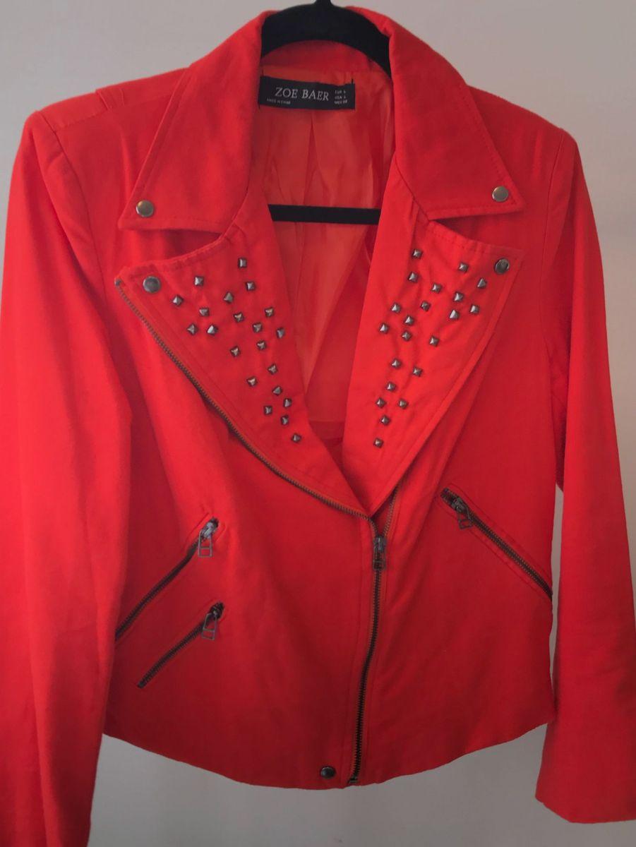jaqueta vermelha com aplicações - casaquinhos sem-marca