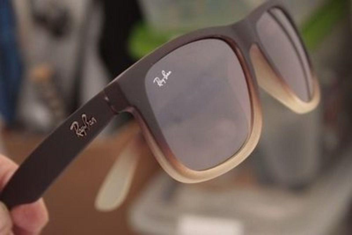 justin marrom degrade - óculos ray-ban.  Czm6ly9wag90b3muzw5qb2vplmnvbs5ici9wcm9kdwn0cy8xmdm4odaxl2nizjc2nzhhyja2ywnizdm1oduzmte3ztk4yzvhodg2lmpwzw 194191aec0