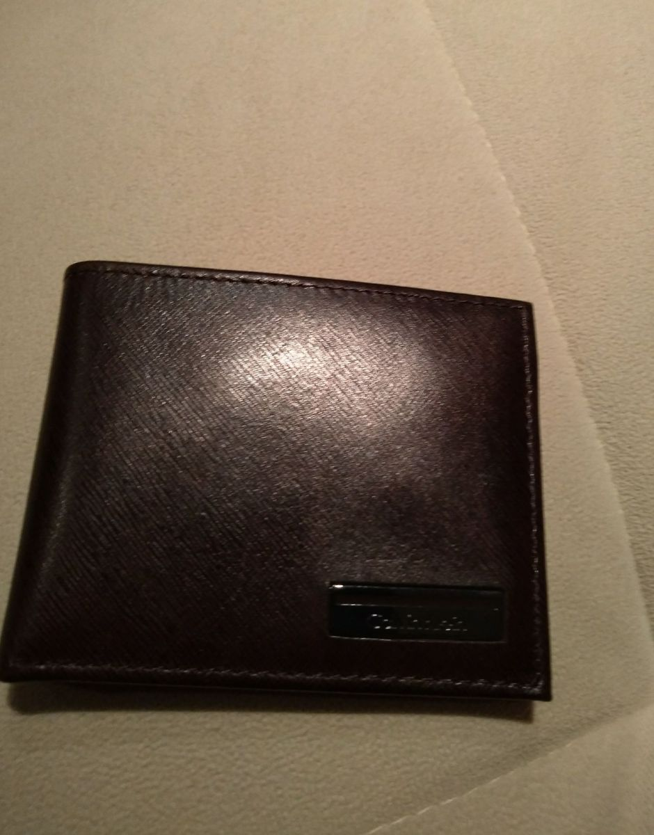 4b90e669ae033 linda carteira de couro original calvin klein - carteiras calvin klein