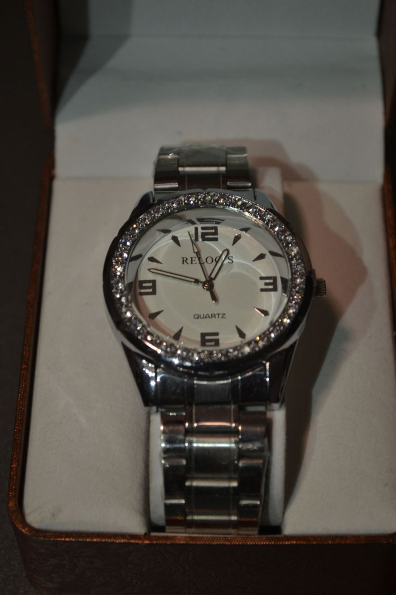 acc7b92b0ed lindo relógio prata com cristais - relógios relogs