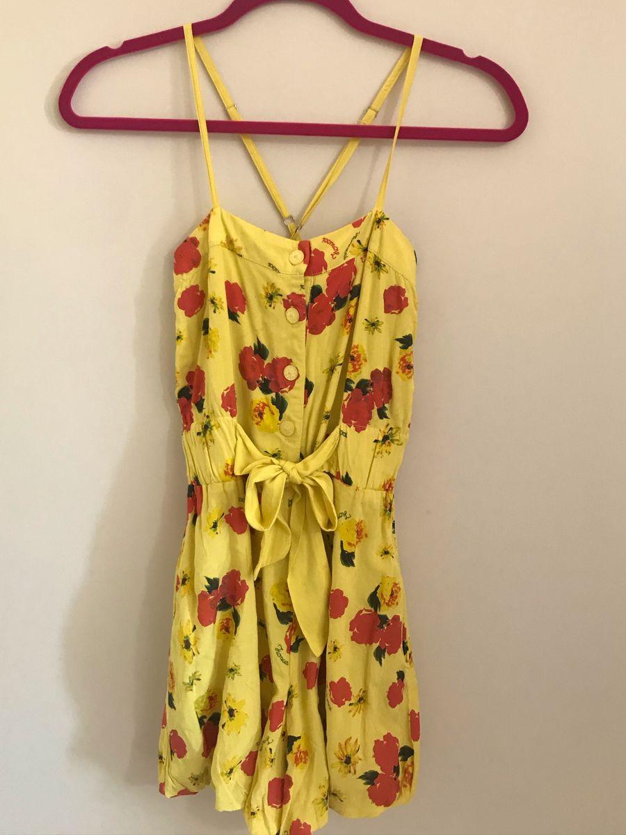 macaquinho amarelo fiorucci - macacão fiorucci