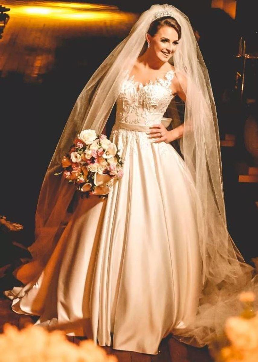 maravilhoso vestido de noiva com pérolas e cristais swarovski - casamento marie lafayette