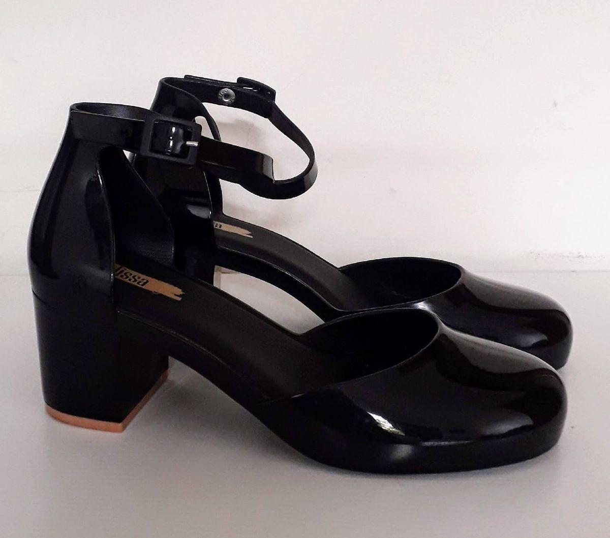9f4c3af720 melissa femme high - sapatos melissa.  Czm6ly9wag90b3muzw5qb2vplmnvbs5ici9wcm9kdwn0cy81mtq5odg1l2iynji0nmezn2e2mmzhyzjhmtnlnmy0mdm0yzzizwqylmpwzw