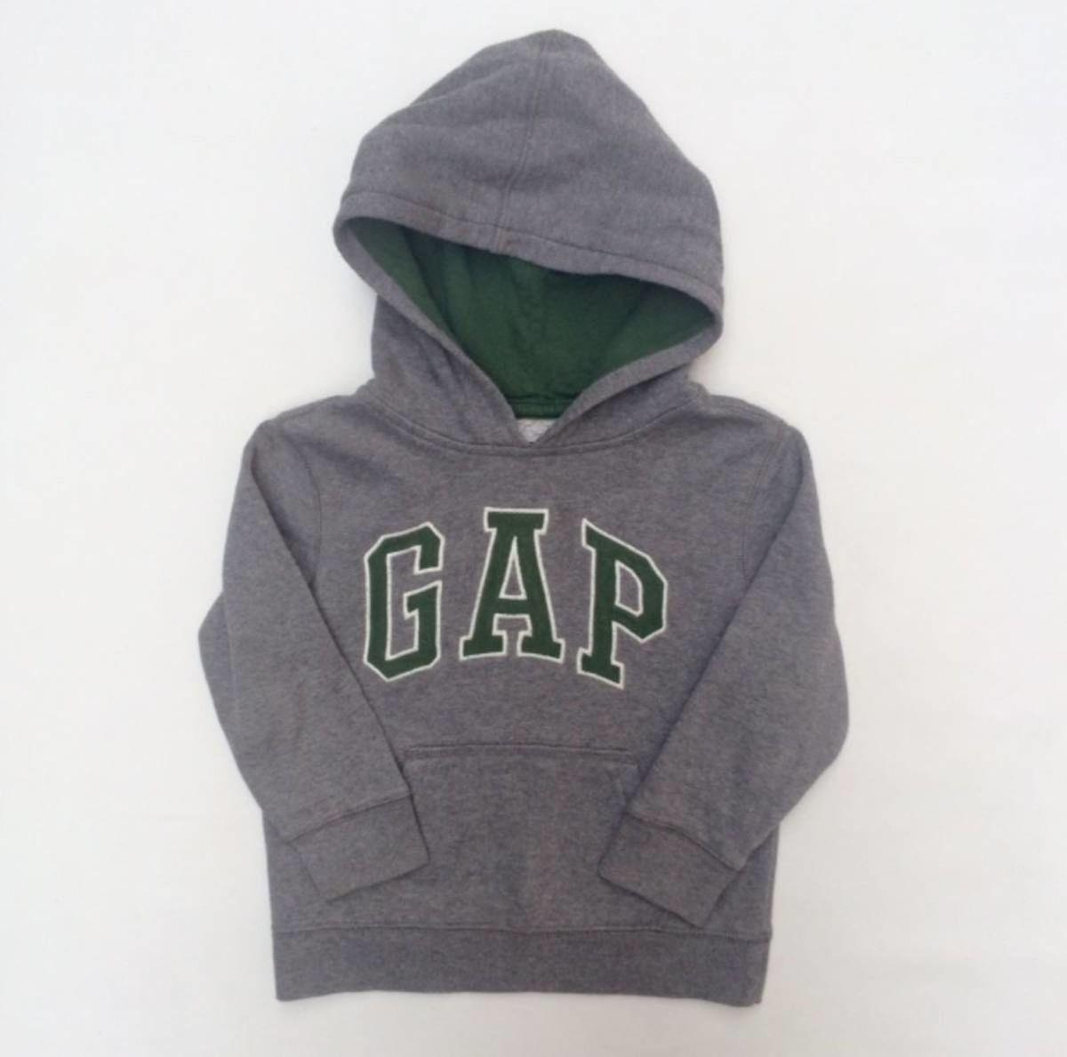 moletom cinza gap - tamanho 4 anos - menino gap.  Czm6ly9wag90b3muzw5qb2vplmnvbs5ici9wcm9kdwn0cy8yntm2mzcvyje5ogywmtg4yjnjnjjjm2iyndq1n2u0ogm1mwqznweuanbn 9cf6d05210f