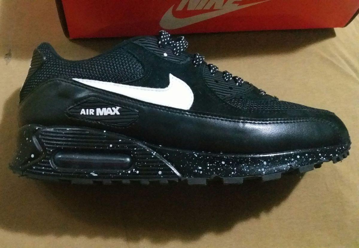 c116f506040 nike air max 90 black brush - tênis nike.  Czm6ly9wag90b3muzw5qb2vplmnvbs5ici9wcm9kdwn0cy83mjm2mdg2l2u0n2uzyzniote5ywninwzmzmi0mtgwowu3mtvkztkzlmpwzw  ...
